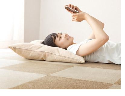 防ダニ加工でダニを寄せ付けず寝ころんでも快適です。防音性にも優れており、デルタLL-4でお部屋の音も響きません。
